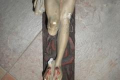 Jesusstatue mit kaputtem  Bein